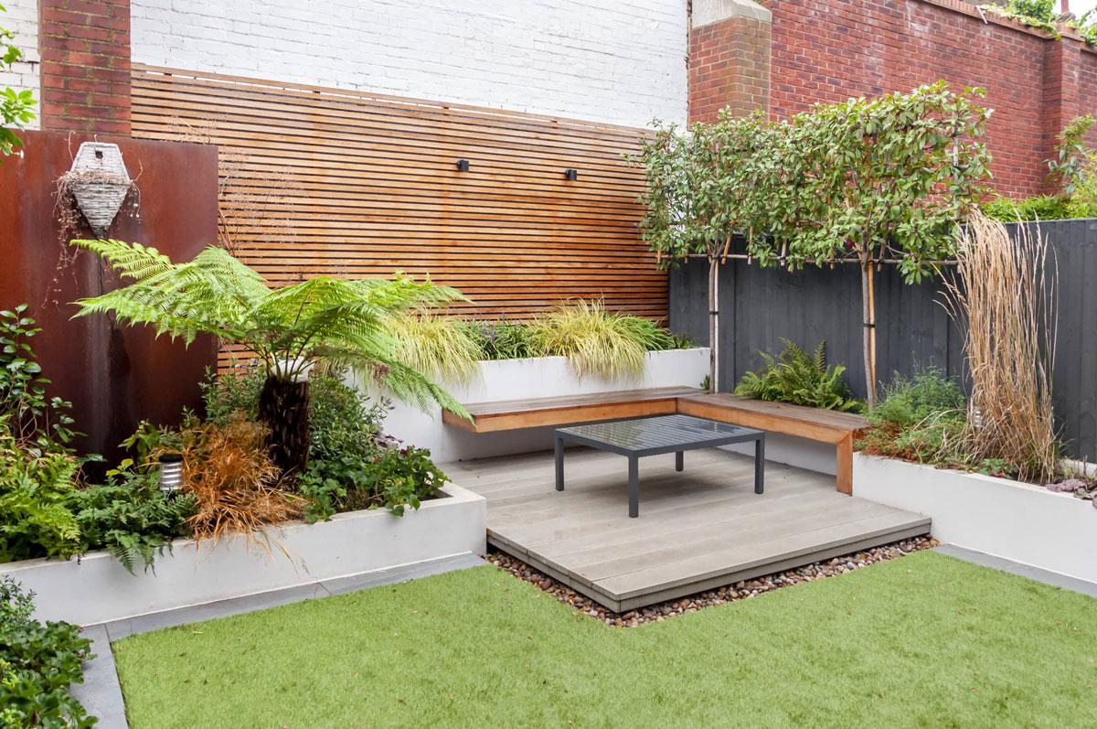 Hampstead Garden Decking Installation 11 min