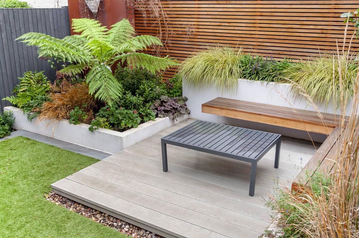 Hampstead Garden Decking Installation 8 min