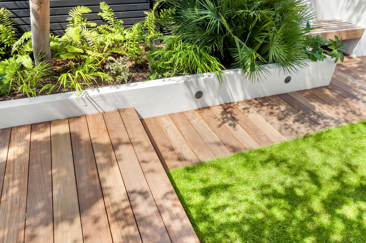 Highgate Garden Decking Installation 15 min