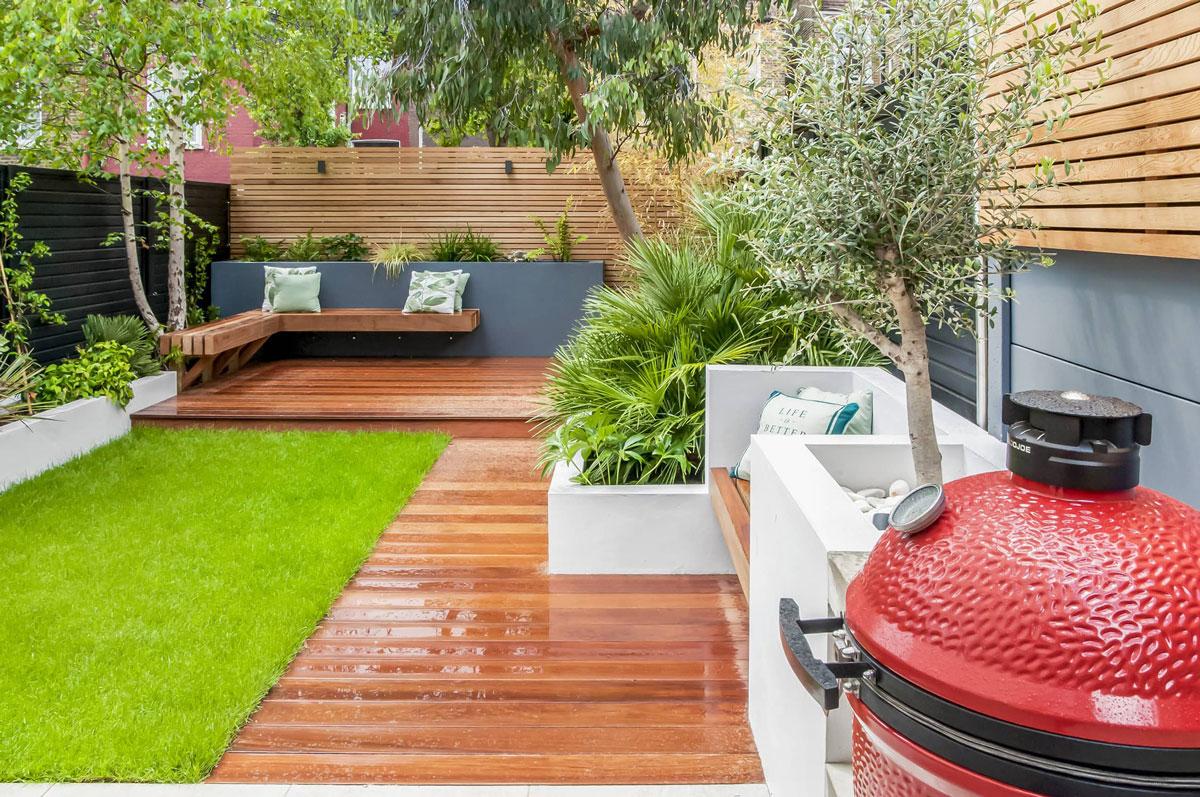 Highgate Garden Decking Installation 19 min