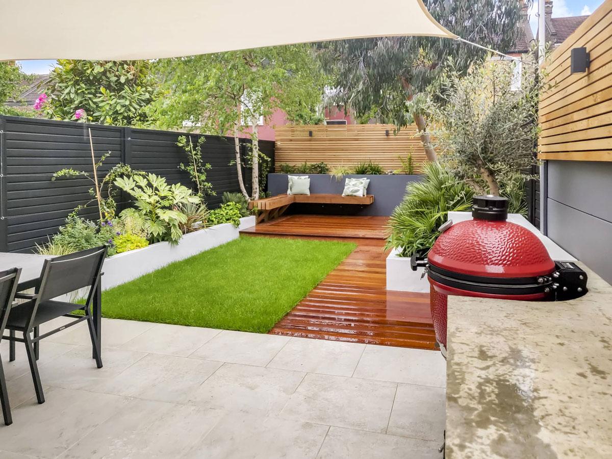 Highgate Garden Decking Installation 9 min