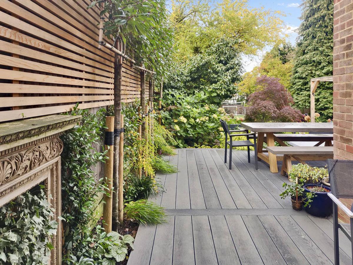 Whetstone Garden Decking Installation 1 min